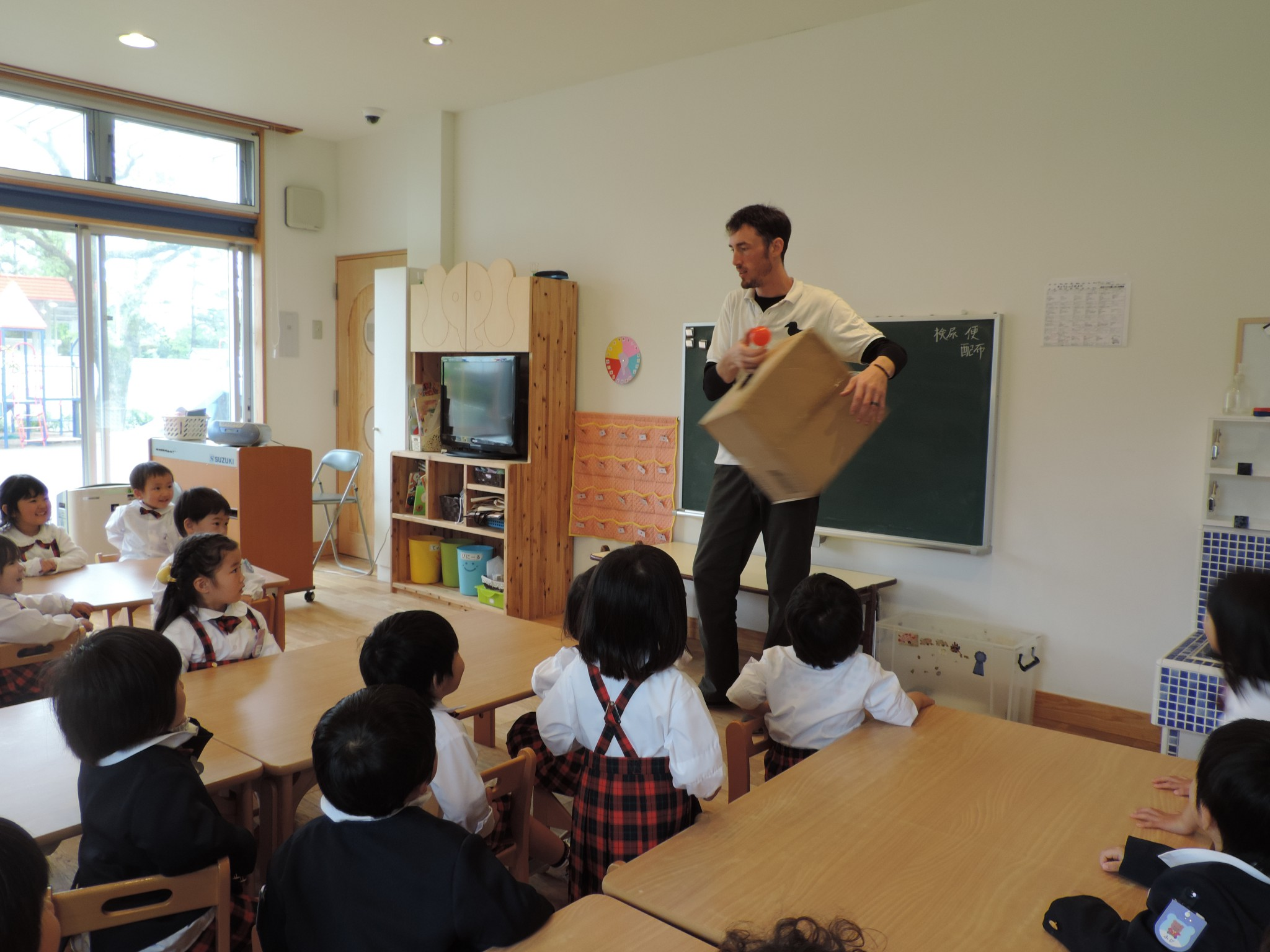 英語で遊ぼう! | 鹿児島県志布志にある幼稚園 しぶし幼稚園