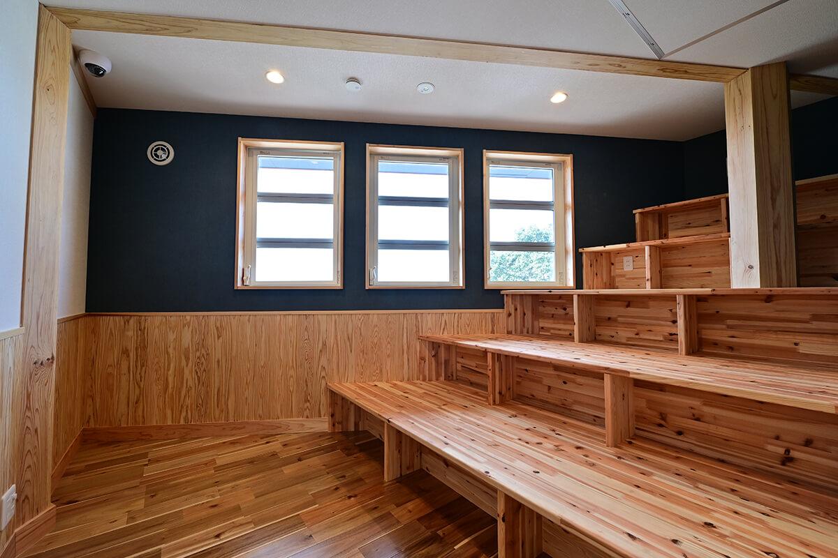 2F シアタールーム・ミニ図書スペース